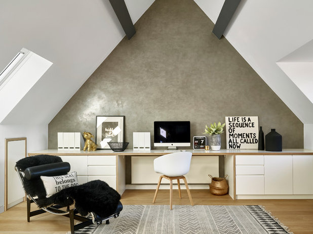 Contemporary Home Office by LEIVARS