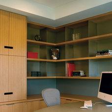 Modern Home Office by Banducci Associates Architects, Inc.