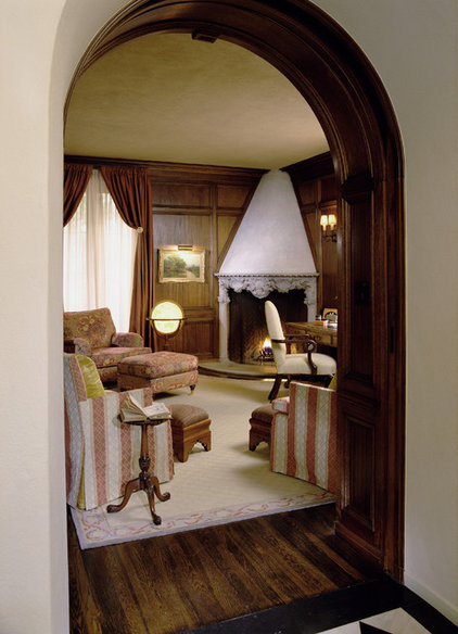 Traditional Home Office by Tommy Chambers Interiors, Inc.