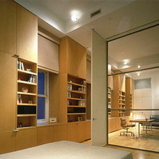 Modern Home Office by Hanrahan Meyers Architects