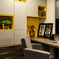 Contemporary Home Office by Arquilátero
