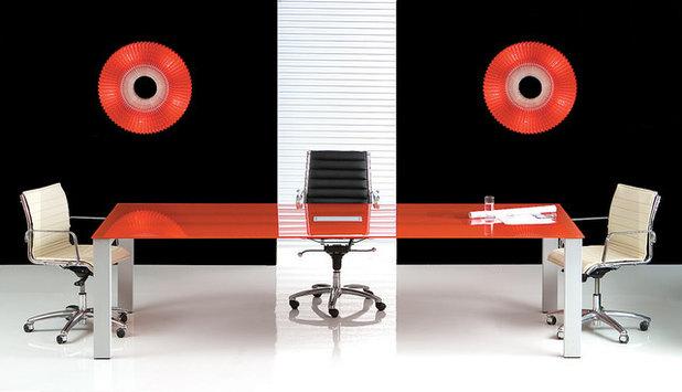 Modern Home Office by Elad Gonen
