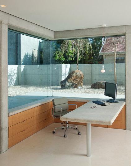 Home Office by Elad Gonen