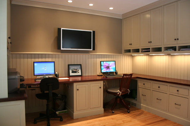 Traditional Home Office by Jewett Farms + Co.