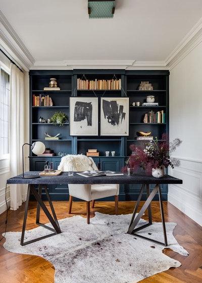 Classique Chic Bureau à domicile by Town Line Wallpaper & Paint Inc.