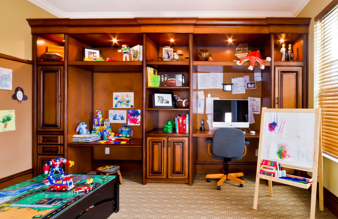 Traditional Home Office by Hobus Homes