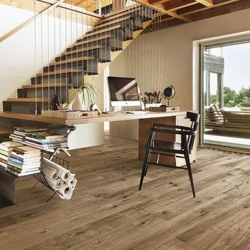 Home Office w/Scandinavian Hardwood