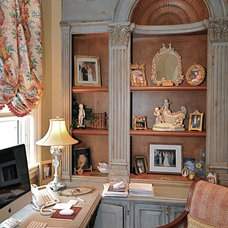 Traditional Home Office by Jessy Krol interiors