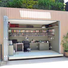 Contemporary Home Office Houzz Tour: Fiesta Terrace and Vertical Garden in Mexico City