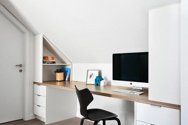 Contemporary Home Office by schemes & spaces