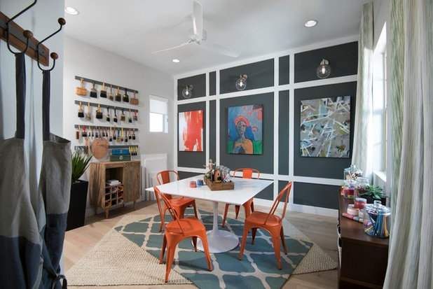 Contemporary Home Office & Library by Shea Homes - Arizona
