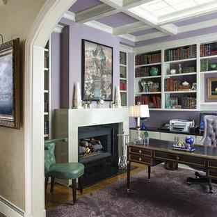 オクラホマシティのトラディショナルスタイルのおしゃれなホームオフィス・書斎 (紫の壁) の写真