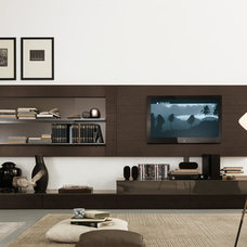 Modern Home Office by Jesse Chicago