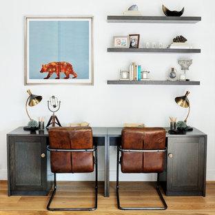 Kensington Penthouse - Children's Desk Area
