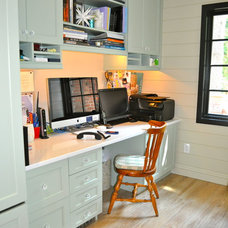 Traditional Home Office by Deepdale House LLC