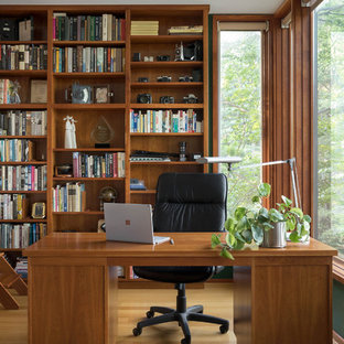 Inspiration for a contemporary freestanding desk medium tone wood floor and brown floor home office remodel & Contemporary Home Office Design Ideas u0026 Remodeling Pictures | Houzz