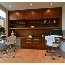 Modern Home Office by The Staging Professionals