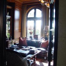 Traditional Home Office by Elias Benabib, Corp.