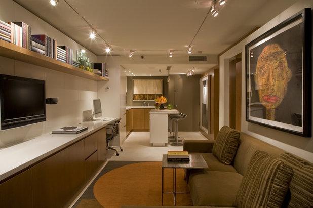 Contemporary Home Office by Ernesto Santalla PLLC