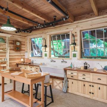 Lonesomeville Pottery Studio & ADU