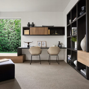 Inspiration for a contemporary home office in Melbourne.