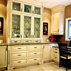 Traditional Home Office by TLC_Designs
