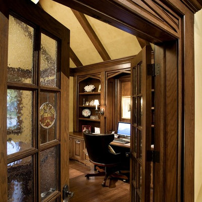 Home office - traditional built-in desk home office idea in Columbus