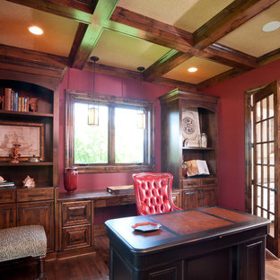 Example of a classic home office design in Minneapolis