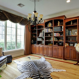 Home office - traditional home office idea in Houston