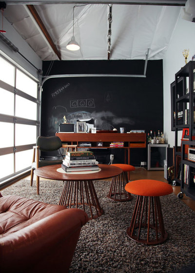 Industrial  Arbeitszimmer by Amy Sklar Design Inc