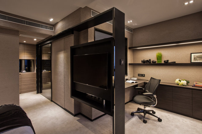 Contemporary Home Office by Chinc's Workshop