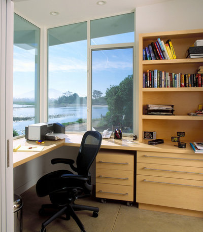 Coastal Home Office & Library by DD Ford Construction