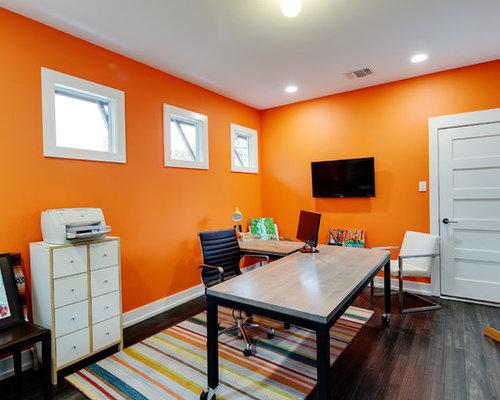 bureau moderne avec un mur orange photos et id es d co de bureaux. Black Bedroom Furniture Sets. Home Design Ideas
