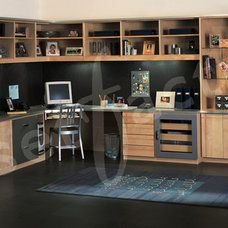 Modern Home Office by Kay Wade, Closet Factory