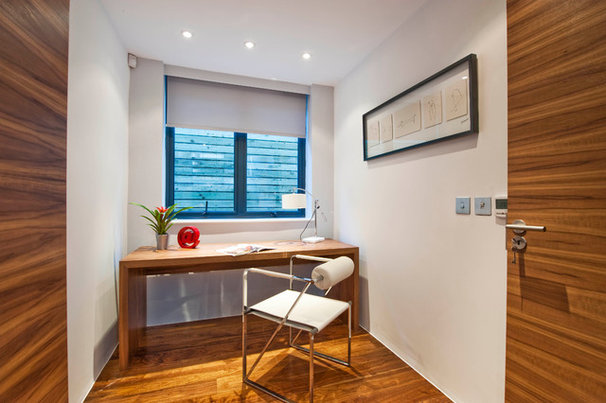 Modern Home Office by Luxe Interior International