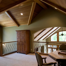 Traditional Home Office by Streeter & Associates, Inc.