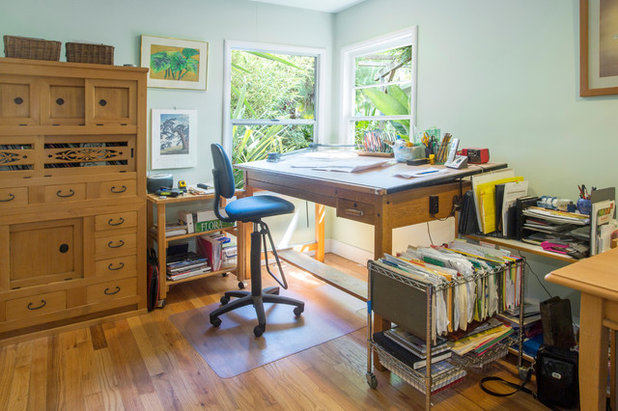 Home Office & Library by Margot Hartford Photography