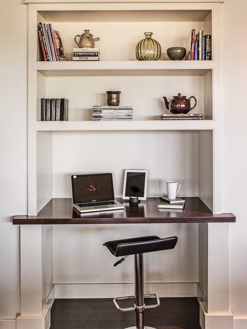 Built in computer desk and shelves houzz Built in desk