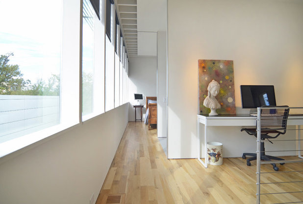 Modern Home Office by Sarah Greenman