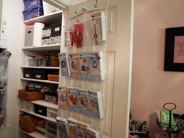 トラディショナル ホームオフィス・書斎 Nancy's Craft Studio