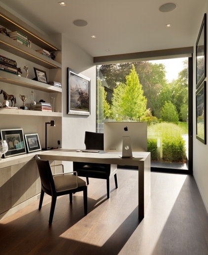 Contemporary Home Office by Gregory Phillips Architects