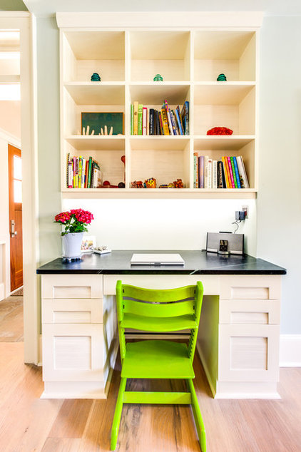 Transitional Home Office by Hudson's Luxury Building Boutique