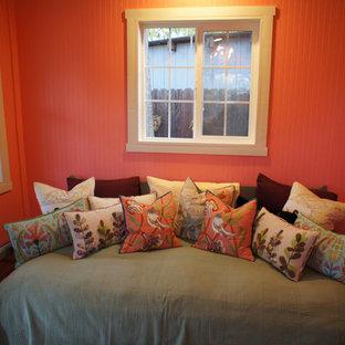 サクラメントのシャビーシック調のおしゃれなホームオフィス・書斎の写真