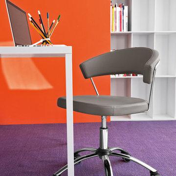 New York Swivel Chair - Chromed Frame + Skuba Taupe Seat