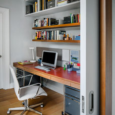 Contemporary Home Office by wUNDERground