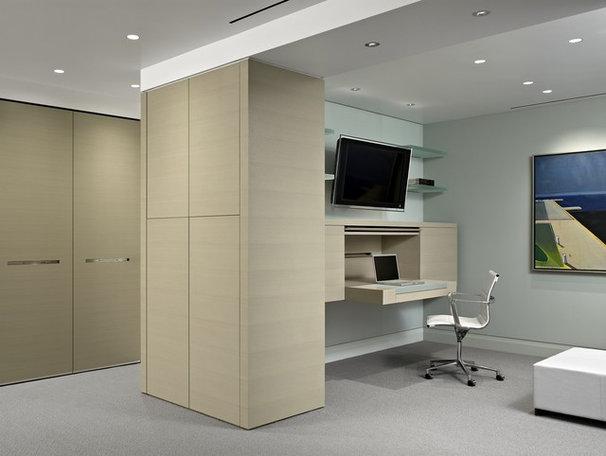 Modern Home Office by Matarozzi Pelsinger Builders