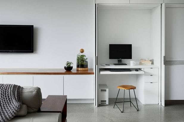 Contemporary Home Office & Library by Rebecca Naughtin Architect