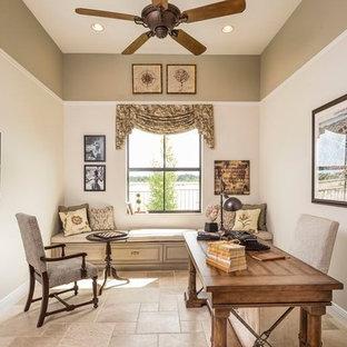 マイアミの中サイズのトラディショナルスタイルのおしゃれな書斎 (マルチカラーの壁、大理石の床、自立型机) の写真