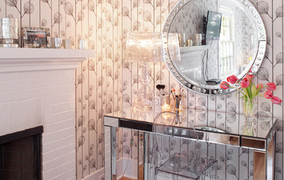 How to Keep the Sparkle in Your Mirrored Furniture