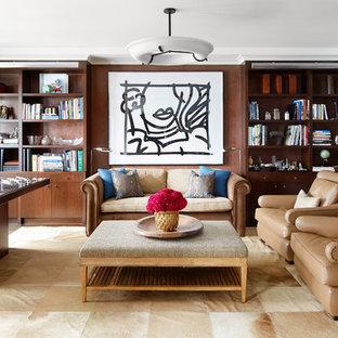 Immagine di uno studio contemporaneo con libreria, pareti marroni, nessun camino e scrivania autoportante